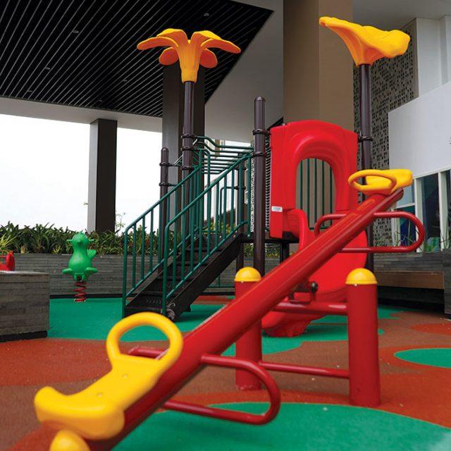 https://silktown.co/wp-content/uploads/2016/11/Children-Playground-3-e1609925234914-640x640.jpg